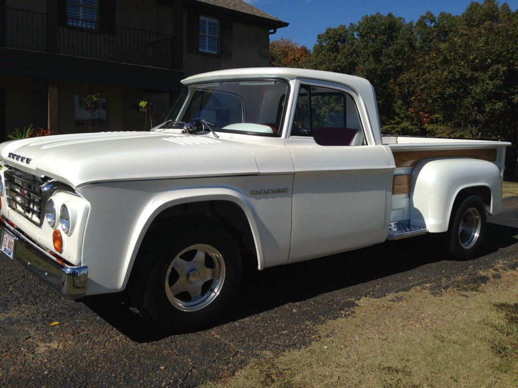 Historia Dodge Ram 1981 2015 together with 1967 DODGE D 100 CSS PICKUP 162970 further 1966 Dodge Charger Pictures C6495 pi36273333 moreover 1958 Dodge Coro  Pictures C6542 pi9411494 together with 1940 Dodge Power Wagon Hot Rod Rat Rod Show Car Blown Hemi. on 1976 dodge power wagon