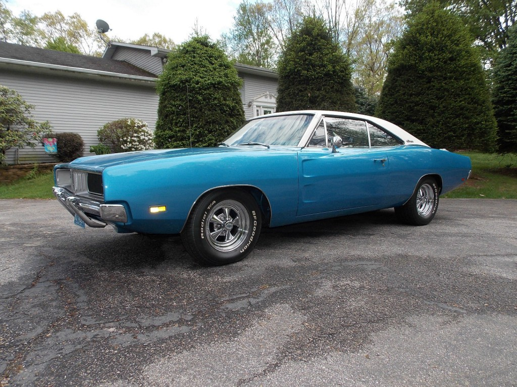 213808 1969 Dodge Charger 440 Rt as well 1969 Dodge Dart Gts moreover Rick Bishop likewise Two Kind Dodge Bros Celebrate 100 Years as well Watch. on dodge 383 magnum engine